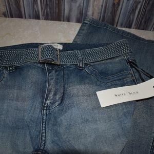 White House Black Market Blanc Trouser Leg Jeans